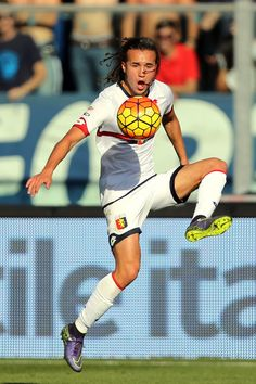 Diego Laxalt Photos Photos - Diego Laxalt of Genoa CFC in action during the Serie A match between Empoli FC and Genoa CFC at Stadio Carlo Castellani on October 24, 2015 in Empoli, Italy. - Empoli FC v Genoa CFC - Serie A
