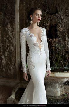 http://images2.weddingdaymedia.com/p/0/p26018/1600x2418/574713fca2.jpg