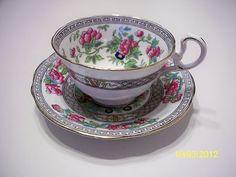 Bone china teacup/saucer