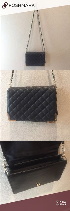 Black stylish purse Perfect black purse goes with just about anything. Very light and easy to carry around. Brand new condition. Please feel free to ask any questions. Forever 21 Bags Crossbody Bags