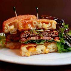 Deep Fried Mac n Cheeseburger Bun