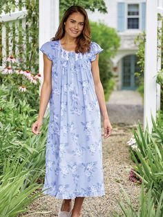 Eileen West Hydrangea Nightgown Cotton Sleepwear, Sleepwear Women, Night Dress For Women, Nightgowns For Women, Pretty Lingerie, Linen Dresses, Night Gown, Short Sleeve Dresses, Summer Dresses