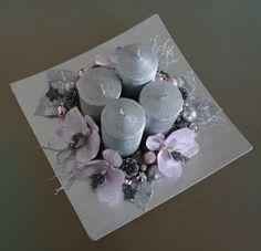Velká adventní dekorace na tácku ve stříbře