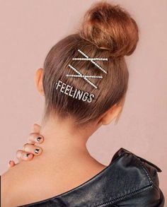 The Kardashian stylist designs the perfect hairpins to go partying . Pigtail Hairstyles, Bobby Pin Hairstyles, Headband Hairstyles, Braided Hairstyles, Natural Hair Updo, Natural Hair Styles, Short Hair Styles, Hair Scarf Styles, Barrettes