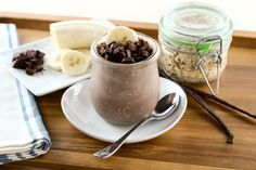 Low-FODMAP Overnight Banana Chocolate Oats is a delicious recipe and so easy to… Chocolate Oat Recipe, Chocolate Oats, Fodmap Diet Plan, Low Fodmap, Oats Recipes, Fodmap Recipes, Fodmap Foods, Sans Lactose, Sans Gluten