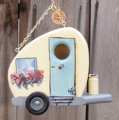 Little caravan trailer birdhouse....