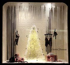 Novembre 2013 Vitrine Boutique Chantal Thomass  211 Rue Saint Honoré Paris #ChantalThomass #Lingerie #Paris