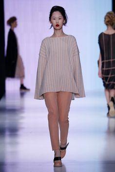 Julia Nikolaeva Russia Fall 2016 Fashion Show