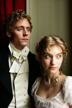 Tom Hiddleston as Mr. John Plumptre and Imogen Poots as Fanny Knight in Miss Austen Regrets.