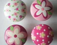 Kids Girls Daisies Galore Drawer Knobs Nursery Cabinet Pulls by DoodlesDecor on Etsy Painting Wooden Letters, Dot Painting, Stone Painting, Rock Crafts, Diy And Crafts, Arts And Crafts, Nautical Nursery Decor, Rock Flowers, Jw Gifts