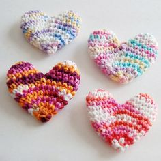 mini crochet hearts | craftgawker