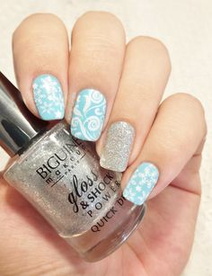 Disney nails Frozen : Elsa – Avril : Celeste – Essence : Stamp me white – Biguine : Precious Silver – Jade : Liquid Diamond – Stamping Plate Mo You : Mother nature collection n°14
