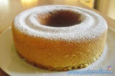 ciambellone allo yogurt 01: con fornetto versilia Sweet Recipes, Cake Recipes, Cheesecake, Italian Cake, Vintage Cooking, Poke Cakes, English Food, Breakfast Cake, Sweet Bread