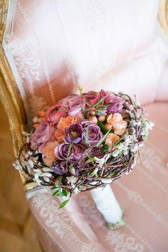 Brautstrauß, wedding bouquet, flowers, weidekätzchen, lila, orange, Die Kathe - photo by Rebecca Conte