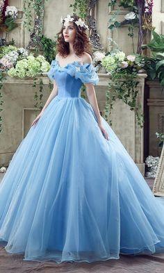 3bb095496e7 modelo vestido quinze anos clássico azul Cinderela