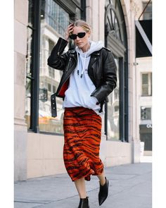 Obsessed with our newest print for Fall. How would you style this bold skirt? Fashion 2020, Girl Fashion, Fashion Outfits, Womens Fashion, Winter Fashion Casual, Autumn Winter Fashion, Glam Rock, Hollister, Style Rock