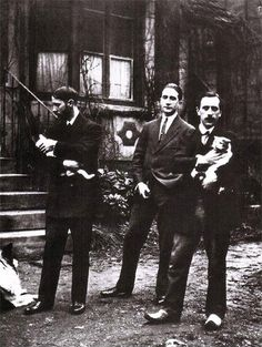 Jacques Villon, Marcel Duchamp, et Raymond Duchamp-Villon. (peintres et sculpteur français)