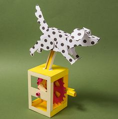 box hinged Running Dog Crafts For Boys, Toys For Boys, Diy And Crafts, Cardboard Toys, Paper Toys, Moving Dolls, Kinetic Toys, Paper Engineering, Polka Dot Paper