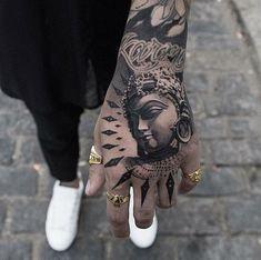 Hand tattoo by Oscar Akermo - Tattoo Idea Board - Tattoo Forearm Tattoos, Finger Tattoos, Body Art Tattoos, Sleeve Tattoos, Cool Tattoos, Buda Tattoo, Buddha Tattoo Design, Ganesha Tattoo Arm, Japanese Hand Tattoos