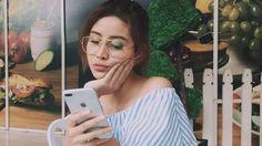 Instagram Awkarin - Heboh! Netizen Kompak Komentari Unggahan Aksesorisnya yang Bikin Bingung Ini