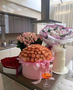 Birthday Goals, Birthday Wishes, Girl Birthday, Flower Boxes, My Flower, Luxury Flowers, Cute Gifts, Beautiful Gardens, Flower Arrangements