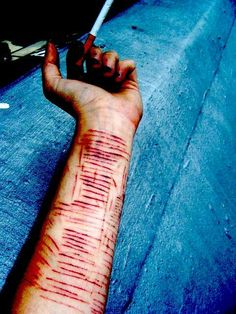 Bilderesultat for selfharm cuts