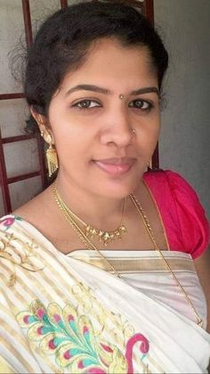 Beautiful Women Over 40, Beautiful Girl Indian, Most Beautiful Indian Actress, Beautiful Girl Image, Cute Beauty, Beauty Full Girl, Beauty Women, Girl Number For Friendship, Women Friendship
