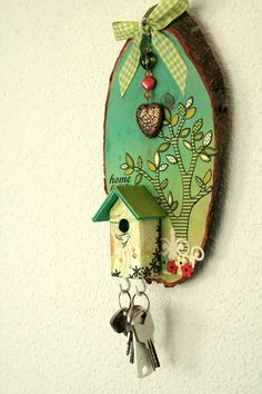 DT Layouts: Keyholder by Birgit Koopsen Crafty Projects, Diy Projects To Try, Hobbies And Crafts, Arts And Crafts, Decoupage, Cute Birthday Gift, Hobby House, Bird Crafts, Country Paintings