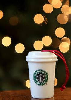 Take an beautiful photo of your favorite ornament! Short and easy tutorial on taking bokeh photographs.
