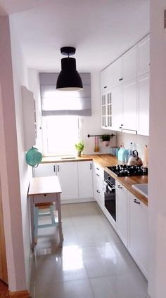 36 Small Kitchen Concepts That Will Make Your Dwelling Look Improbable Kitchen Room Design, Modern Kitchen Design, Interior Design Kitchen, Kitchen Ideas, Kitchen Decor, Small Apartment Kitchen, Kitchen Small, Small Kitchens, Küchen Design