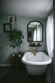 oldfarmhouse: Renovated Bathroom http://pin.it/Jq0NH2b