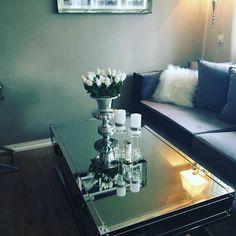 #Repost @mrsvibbe   Nå ble bordet mitt sånn jeg ville ha det  #Sanfranciscosalongbord140 #Rihannapokalvasesmall #romasofa #classicliving#sohappy#interior#myhome#glam #livingroom #steele #glamfurniture #homeandliving #interørinspirasjon #interiør #interior2you #interior #interiordesign #coffetable #salongbord #livingroomdetails #passion_4_home_decor #passion4home #passion4interior #classyinteriors #charminghomes