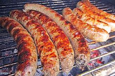 Rostbratwurst Thüringer Art Rostbratwurst Thüringer Art, a nice recipe from the Schwein category. Sausage Recipes, Beef Jerkey, Home Made Sausage, German Sausage, How To Make Sausage, Smoking Meat, Spare Ribs, Canning Recipes, Sausages