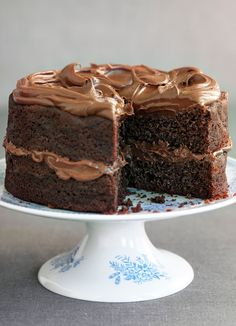 Try our easy chocolate fudge cake recipe. Our easy chocolate fudge cake recipe is a moist chocolate fudge cake recipe. Make this chocolate fudge cake recipe by niccreasey Read Food Cakes, Cupcake Cakes, Cupcakes, Baking Cakes, Cake Icing, Easy Chocolate Fudge Cake, Chocolate Roulade, Easy Fudge, Chocolate Crinkles