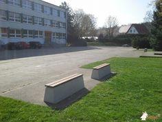 Betonbank DeLuxe bij Oberschule Cossebaude in Dresden