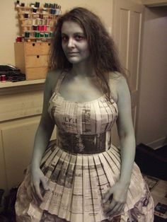 Newspaper Dress/Costume idea tutorial. cute and a good read. pun intended.