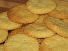 Coconut Biscuits - Crisp, delicious and perfect with a cuppa. Coconut Recipes, Baking Recipes, Cookie Recipes, Dessert Recipes, Recipes Dinner, Bisquick Recipes, Crockpot Recipes, Keto Recipes, Chicken Recipes