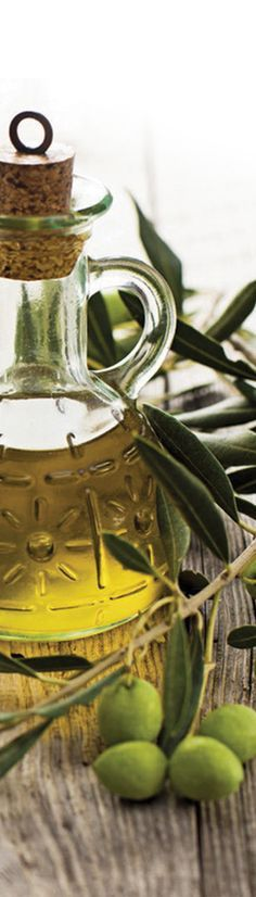 Remedies For Healthy Living 23 Unique household uses for olive oil Olives, Home Remedies, Natural Remedies, Infused Oils, Tips & Tricks, Cleaners Homemade, Oil Uses, Natural Cleaning Products, Food Hacks