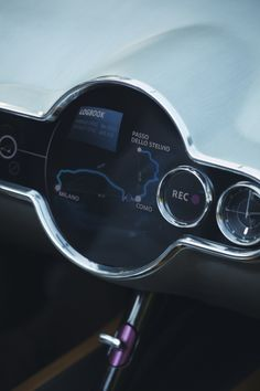 A touch-screen centre console sits at the heart of MINI Superleggera™ Vision.