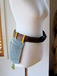 "Une bonne idée pour faire un ""sac à main pour les garçons""... Need a tool belt? Got old pair of jeans that still have a good pocket?? Try this!"