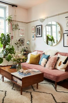 Boho living room - Modern boho living room - Home - Living room inspiration - Apartment decor - Boho Home Living Room, Retro Living Rooms, Modern Boho Living Room, Home Decor, Room Inspiration, Apartment Decor, Boho Living Room Decor, Living Decor, Home And Living
