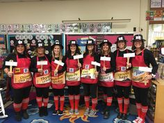 Do you need some ideas for your school Halloween costume? Teachers from all over share their Halloween costume ideas. Great grade level team costumes that are practical and appropriate for elementary school. The Spice Girls Team Halloween Costumes, Teacher Costumes, Theme Halloween, Group Costumes, Vintage Halloween, Costume Craze, Vintage Witch, Halloween Halloween, Halloween Makeup