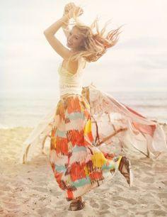 A vida segue-me andando Sem que o destino possa-me compor.. ... A essa vida, eu respondo: Vai andando... e cantando... compondo A encontrar quem lhe sorriu!..