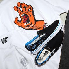 Santa Cruz x Vans Slip-On : Kolaborasi Dua Merk Legendaris Skatebaord Vans Skate, Skate Art, Cool Vans Shoes, Boy Fashion, Mens Fashion, Vans Slip On, Motorcycle Outfit, Mens Clothing Styles, Shoe Game