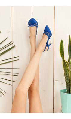 Sandal open on the back low heels