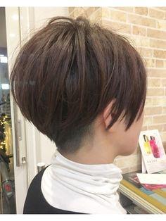 『京都 ルーナ』刈り上げ女子ショートレイヤー 【草木真一郎】/LUNA hairをご紹介。2018年春夏の最新ヘアスタイルを300万点以上掲載!ミディアム、ショート、ボブなど豊富な条件でヘアスタイル・髪型・アレンジをチェック。