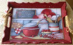 Bandejas trabajadas con pintura y decoupage