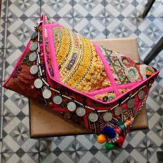PUSHKAR by NAWERI 119€ Boho clutch made from antique embroidered fabrics with a removable strap. Pochette confectionnée à partir de tissus brodés antiques. Chaîne amovible. Modèle unique.