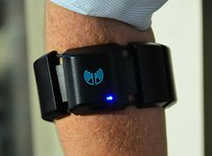 Myo Armband Provides Effortless Gesture Control of Robots, Anything Else