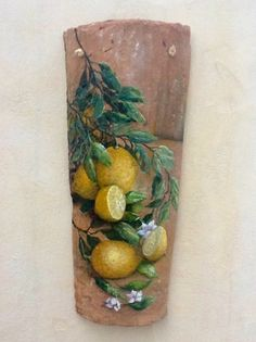 tejas pintadas a mano decorativas - Buscar con Google Tole Painting, Oil Painting On Canvas, Diy Arts And Crafts, Hobbies And Crafts, Clay Wall Art, Pallet Wall Art, Decoupage Art, Ceramics Projects, Mosaic Projects